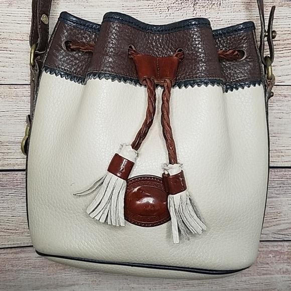 Dooney & Bourke Handbags - Vintage Dooney & Bourke Leather Bucket Bag Purse